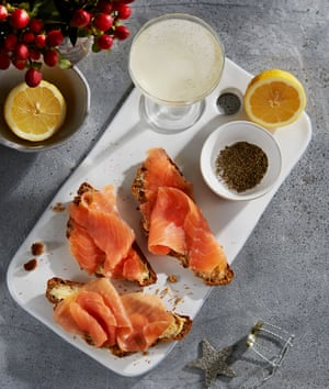 La harina de miel de Jeremy Lee y el pan de soda de melaza de salmón ahumado.