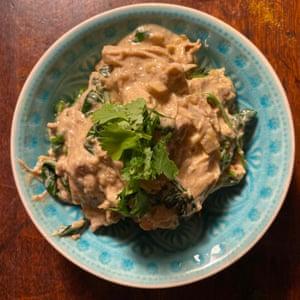 """""""Lleno de aromas y especias"""": pavo al curry de Olivia Potts."""