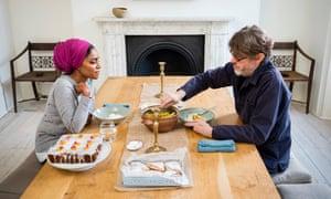 Nigel Slater y Nadiya Hussain comparten el almuerzo con Nigel.