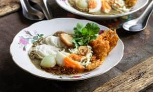 Sopa de fideos de pescado (mohinga) de MiMi Aye.