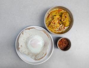 Lotte curry con huevo tolva: Kolamba, Soho, Londres.