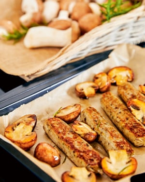 Tesco está ampliando sus gamas para ofrecer productos como salchichas veganas y colocarlas en el pasillo de la carne.