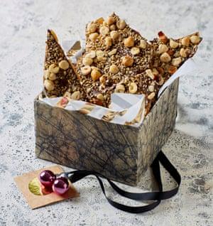 Decisión instantánea: semillas quebradizas de nuez y Helen Goh.