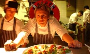 Jamie Oliver en 2002 en el lanzamiento de Fifteen en Londres.