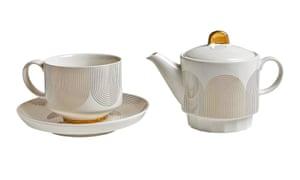 Tetera, taza y platillo, £ 35