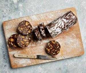 Salami de chocolate y nueces de Yotam Ottolenghi