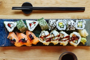Plato de sushi Mizu
