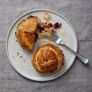 Grandes competidores británicos de Año Nuevo 2019: Michael's Camembert y Walnut Pithiviers