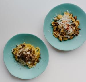 Orecchiette de Lina Stores con salchicha de cordero, cime di rapa y chile.
