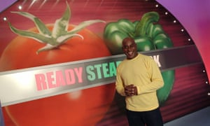 Volver al menú ... Ainsley Harriott le da la bienvenida a Ready Steady Cook, quien regresa a finales de este año.
