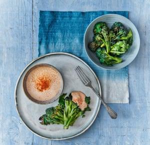 Bacalao batido y brócoli morado germinado