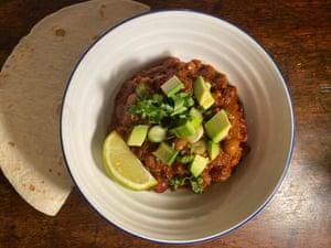 El chile vegetariano de J Kenji López-Alt es la inspiración para el uso de la olla. Pulgares por Felicity Cloake.