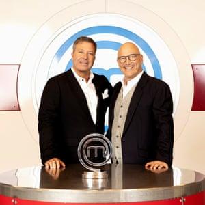 BBC One MasterChef recibe a John Torode (izquierda) y Gregg Wallace.