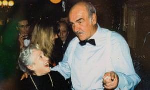 Memorias de Soho: Elena Salvoni, legendaria estrella de Elena, con Sean Connery.