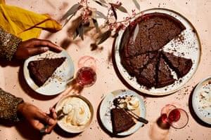 Tarta de castañas y chocolate de Thomasina Miers con crema de castañas.