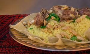 """""""Es un plato muy rico"""" ... mansaf."""