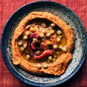 Pimiento rojo asado y salsa de garbanzos.