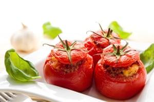 Tomates rellenos al horno.