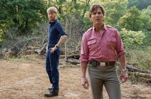 Domhnall Gleeson y Tom Cruise en American Made