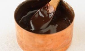 Prepare una ganache de chocolate con 70% de cacaoE1R69C Prepare una ganache de chocolate con 70% de cacao