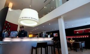Una cafetería Nespresso y una boutique en Montreal.
