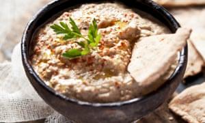 Baba ganoush - salsa de berenjenas y tahini.
