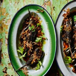 Khayan thee hnat - curry de berenjenas rellenas.