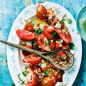 Khayan jin thee thoke - crujiente ensalada de tomate y maní.