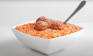 Cena de los inocentes galleta con espagueti y albóndigas