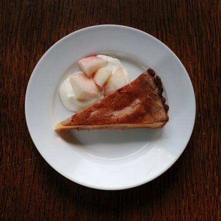 El pastel de durazno, Clarence Tavern, N16.