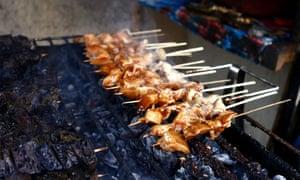 Filipino a la parrilla pollo y cerdo.
