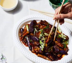 Berenjena estofada al estilo de Sichuan