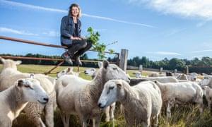 """Gala Bailey-Barker: """"Me hubiera encantado ver a mujeres agricultoras cuando era niña. Nunca se promocionó como una posible carrera en la escuela. """""""