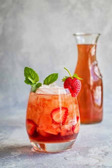 Un cóctel de fresas de verano.