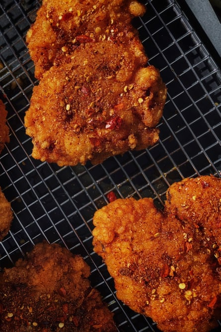 Trozos de pollo frito pekín
