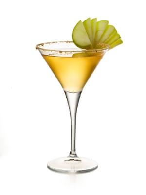La manzana de Yoann Carrot se desmorona del Cutting Room Bar en un vaso.