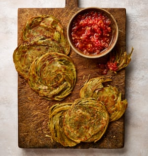 Za'atar paratha de Yotam Ottolenghi con tomate rallado.