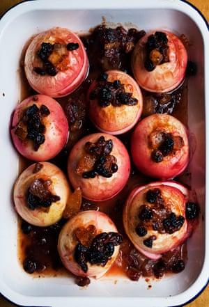 Manzanas al horno de Nigel Slater.