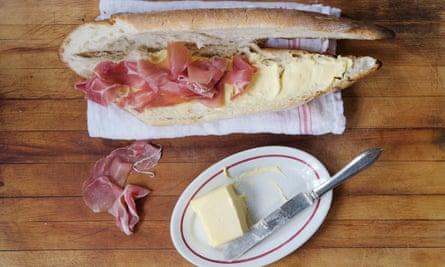 Sándwich de jamón en un bar francés de David Tanis.