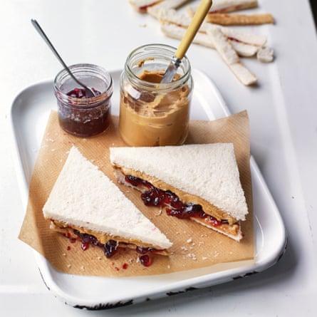 Sándwich de gelatina de mantequilla de maní de Claire Ptak.