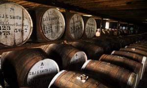 Barriles de whisky GlenlivetMedium-98103