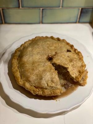 La carne y el pastel de tía de Simon Hopkinson se acompañan de pechuga y gotas, como en Bury.