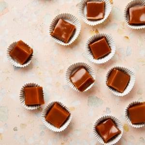Regalos de Navidad comestibles de Yotam Ottolenghi: caramelos de miso.