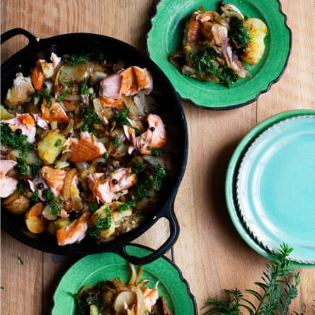 Salmon Hash Nigel Slater Observer Food Monthly OFM Diciembre 2020