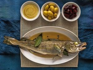 Plato danés de bacalao de Año Nuevo con mostaza