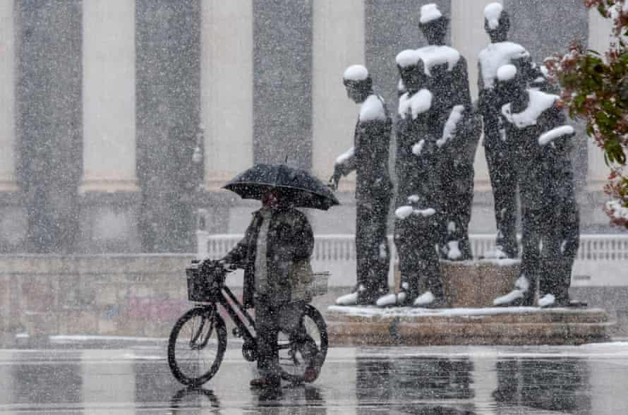 Fuertes nevadas en Skopje.
