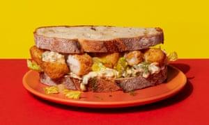 ¡Mmm! Sándwiches de dedos de pescado calientes