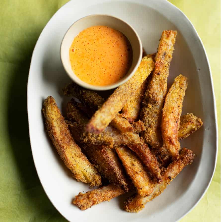 Bien horneado: papas fritas al horno con zaatar y salsa de ajo