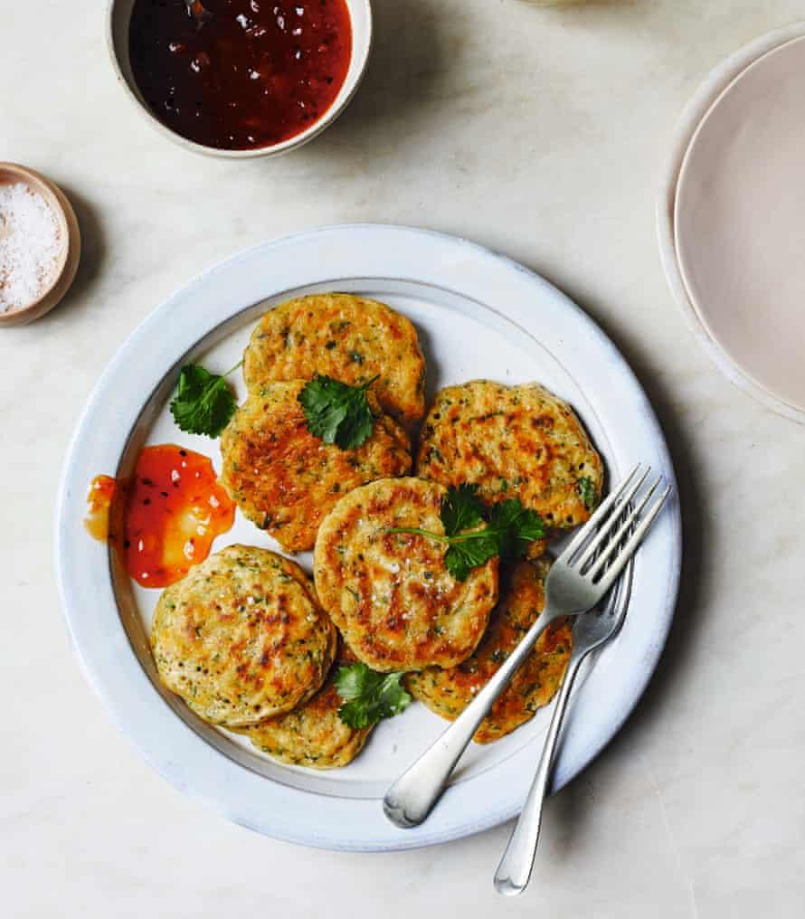 Donas veganas fáciles de zanahoria y cilantro de Katy Bescow