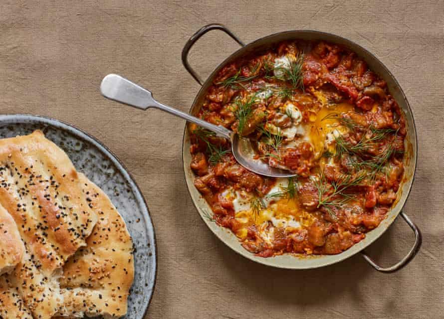 Dip de tomate y berenjena Kian Samyani, también conocido como mirza ghasemi.